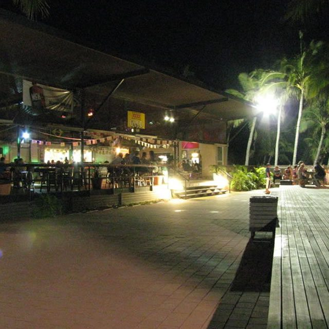 Base Magnetic Island07