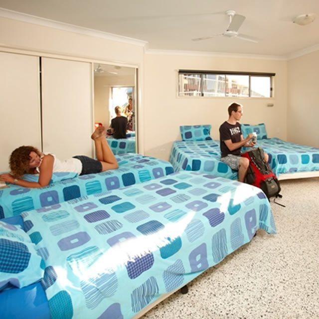 Emus Beach Resort02